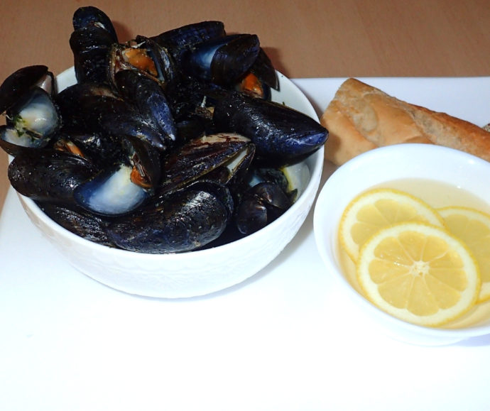 Mussels with garlic butter 1